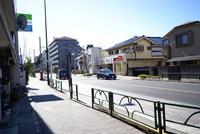 周辺環境:バス停目の前
